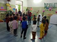 Tổ MG Bé tổ chức sinh hoạt chuyên môn với hình tổ chức hoạt động giáo dục ( LQVH, HĐTH, NBTN)