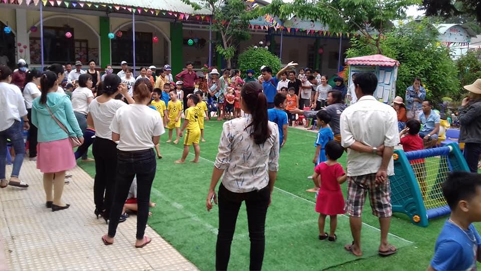 Giải bóng đá mini cho các bé lớp 5 tuổi năm học 2017 – 2018