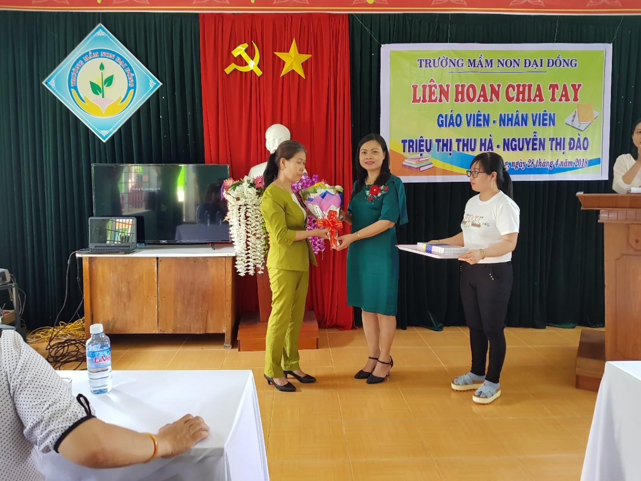Trường MN Đại Đồng tổ chức gặp mặt chia tay cô Nguyễn Thị Đào về hưu